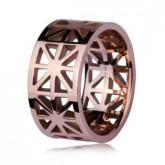 Ażurowa obrączka damska w kolorze różowego złota