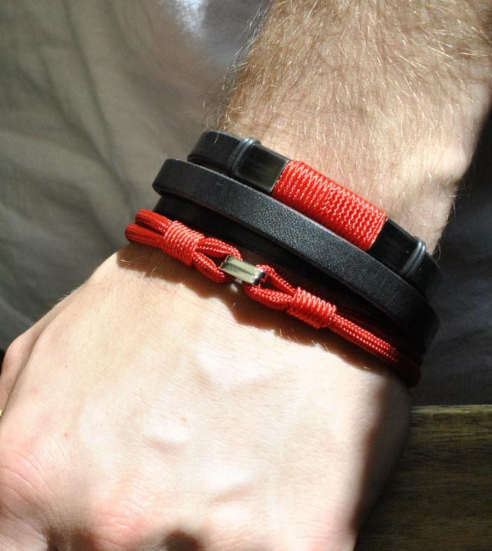Czerwona bransoletka męska z symbolem X