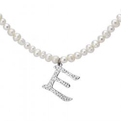 Naszyjnik z literką E z perłami