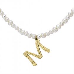 Naszyjnik z literką M z perłami, pozłacany
