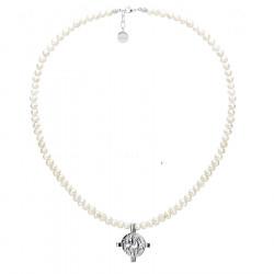 Naszyjnik z perłami i monetą antyczną