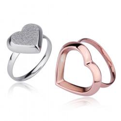 Piękny pierścionek damski z motywem serca, różowe złoto