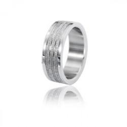 Uniwersalna obrączka z diamentowanymi paskami
